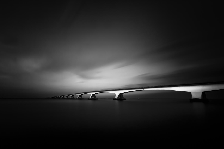 Zeelandbrug zwart-wit